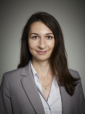 Daniela Demirtas. Biträdande jurist, Advokatfirma